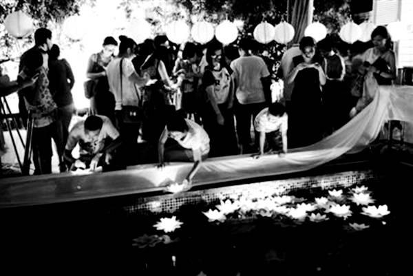 民国七夕南北差异 广州一座鹊桥售价1.5亿 嘉兴南湖昆曲不断