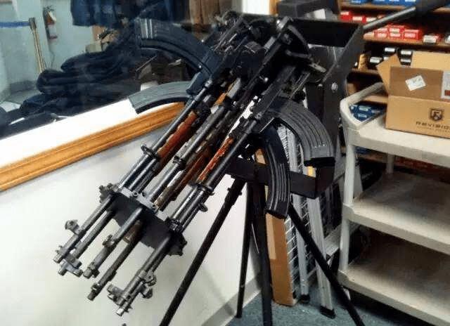 近代几款奇葩枪械:第1经常误伤队友被嫌弃,第2比烧火棍还弱