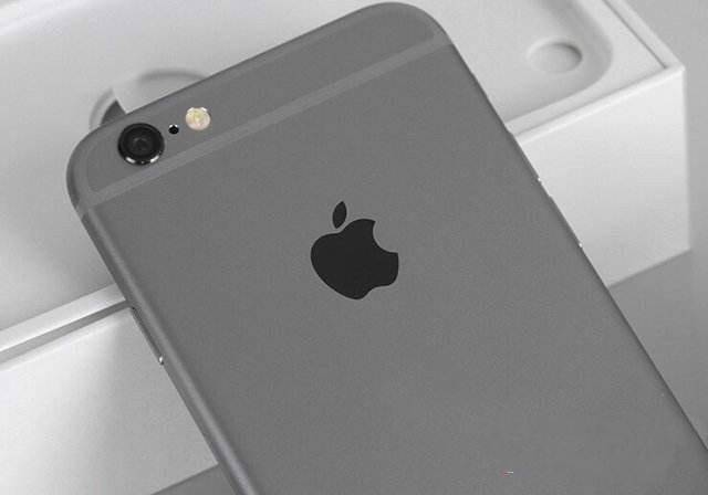 """原创            史上最""""长命""""的iPhone,让近四年的苹果手机相形见绌"""