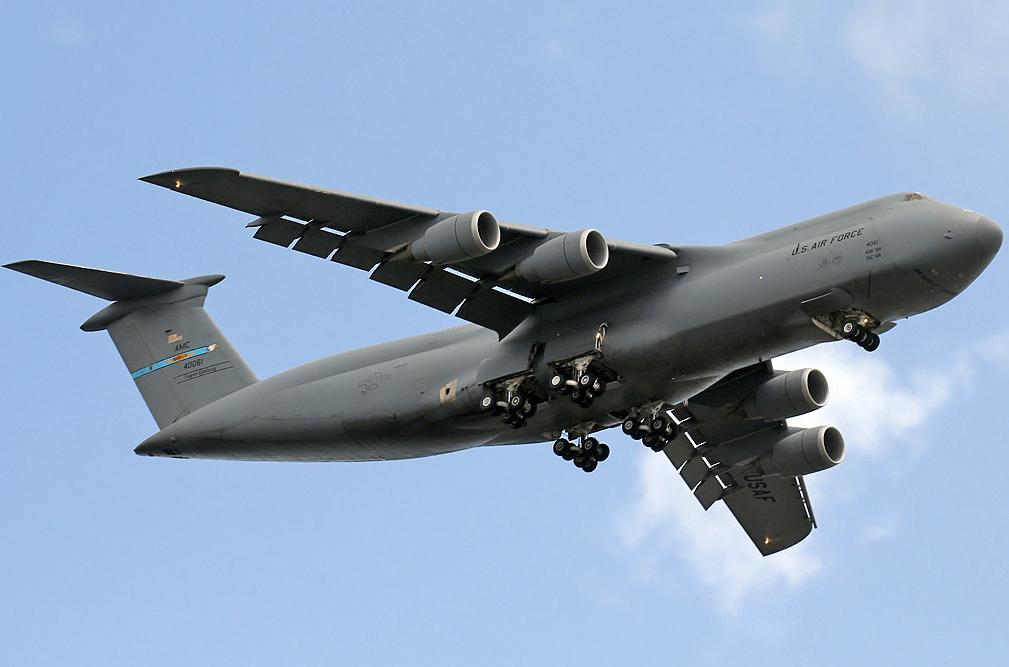 C-5运输机,美军空中运输主力之一,实力强悍!