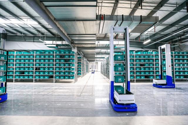 「海柔创新」完成过亿元融资,加速箱式仓储机器人行业应用