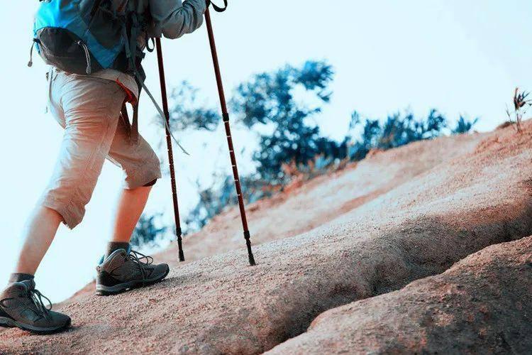 登山最考验的不是体力而是它!八个技巧护住你的膝关节