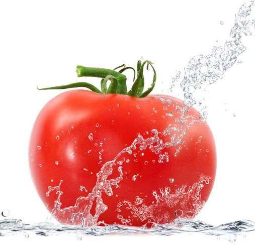 """西红柿碰上它,堪称天然""""降压药"""",高血压患者不妨多吃,血压平稳不升"""