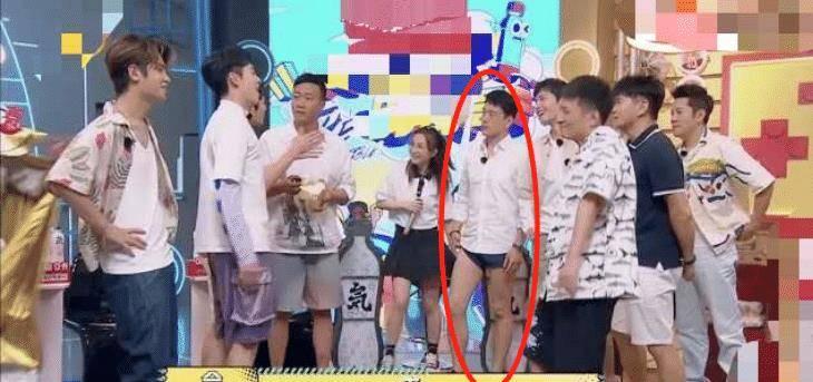王耀庆穿超短休闲裤上节目,惊呆众人,节目组导演喜出望外
