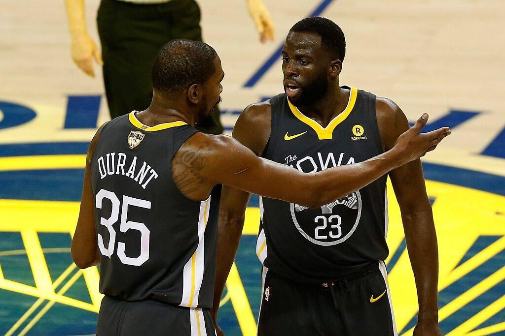 如果季後賽雙方球隊打平還剩十秒,你會把球交給誰?喬丹還是詹姆斯?-黑特籃球-NBA新聞影音圖片分享社區