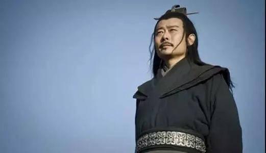 著名将军张良也曾三次追随刘邦,并两次脱离,只有第三次才建立起牢固的关系。 王者荣耀刘邦x张良