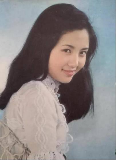 为爱守寡13年,从江南第一佳丽到母亲业余户,她的美从不败光阴(图19)