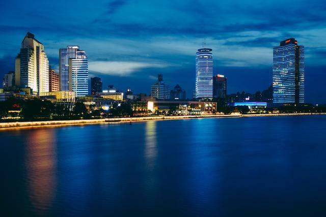 山东省的青岛市2020上半年GDP来看,更接近几线城市?