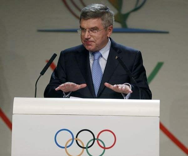 国际奥委会主席巴赫与日本首相菅义伟举行首次会谈