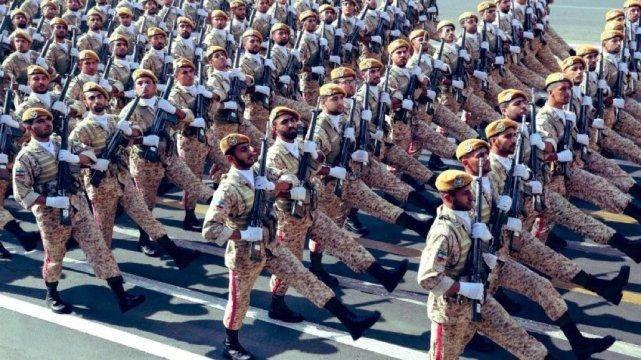 伊朗上百亿军火大单敲定!头号盟友敞开供应:五代机和导弹随便挑