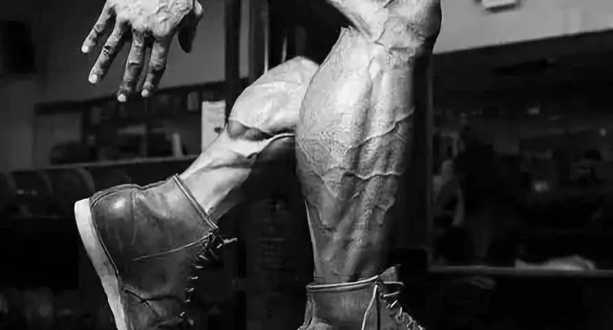 """""""小腿王""""的钻石腿怎么练?麦克·马特拉佐不想告诉你的虐腿方案"""
