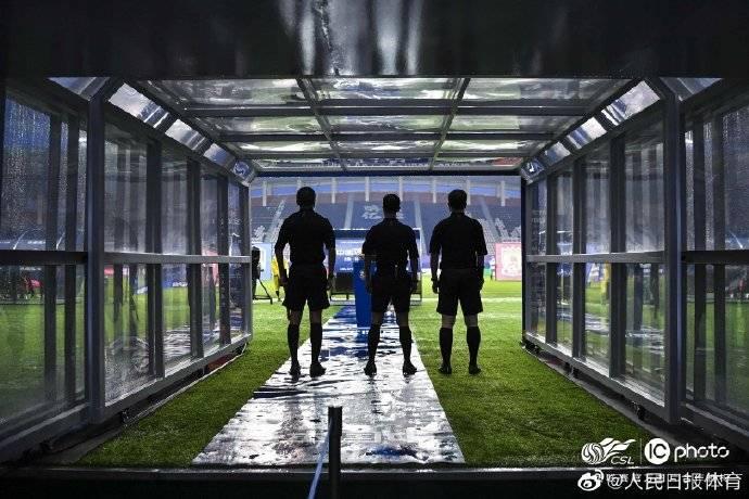 人民日报体育:本赛季遭遇不公的球队太