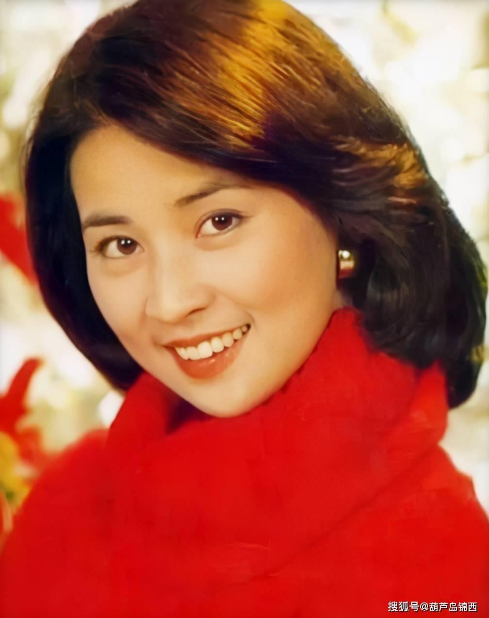 """第一代琼女郎林凤娇,当""""年老背后的女"""