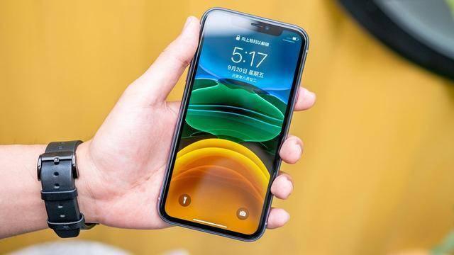 原创            苹果新机发布在即,从5499元跌至4369元,经典iPhone加速为其让路