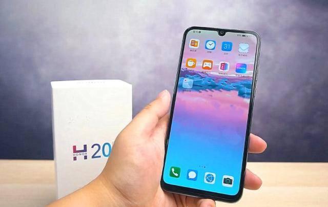 光學屏幕指紋+4800萬,已跌至1099元,網友:還買什么4G手機?