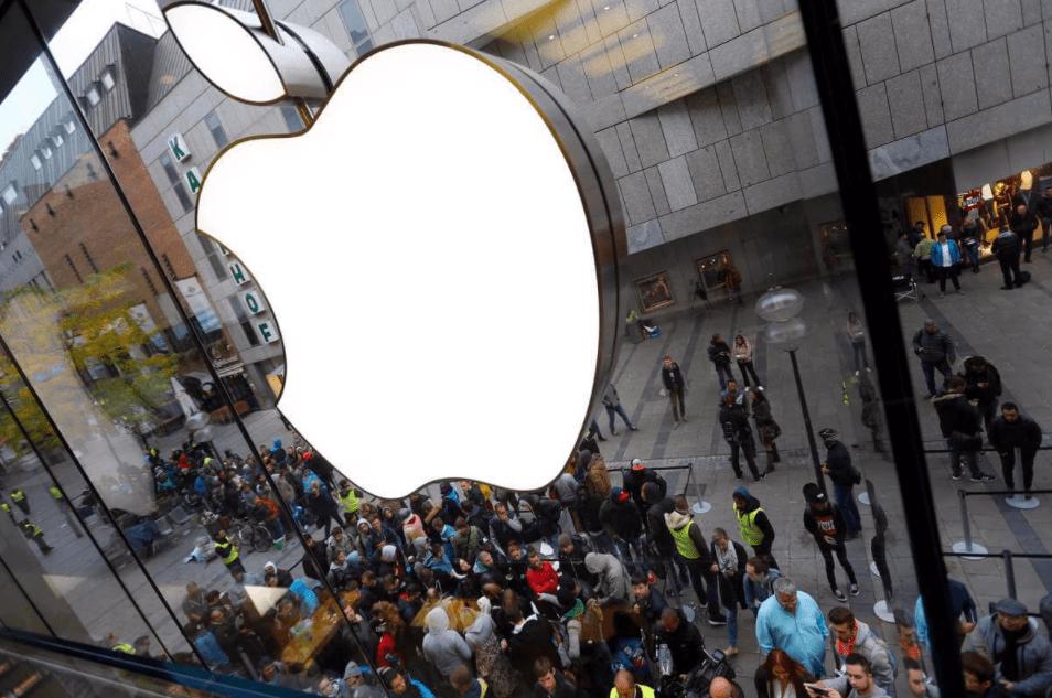 """蘋果進退兩難,iPhone12再度傳來消息,""""果粉""""難以接受"""
