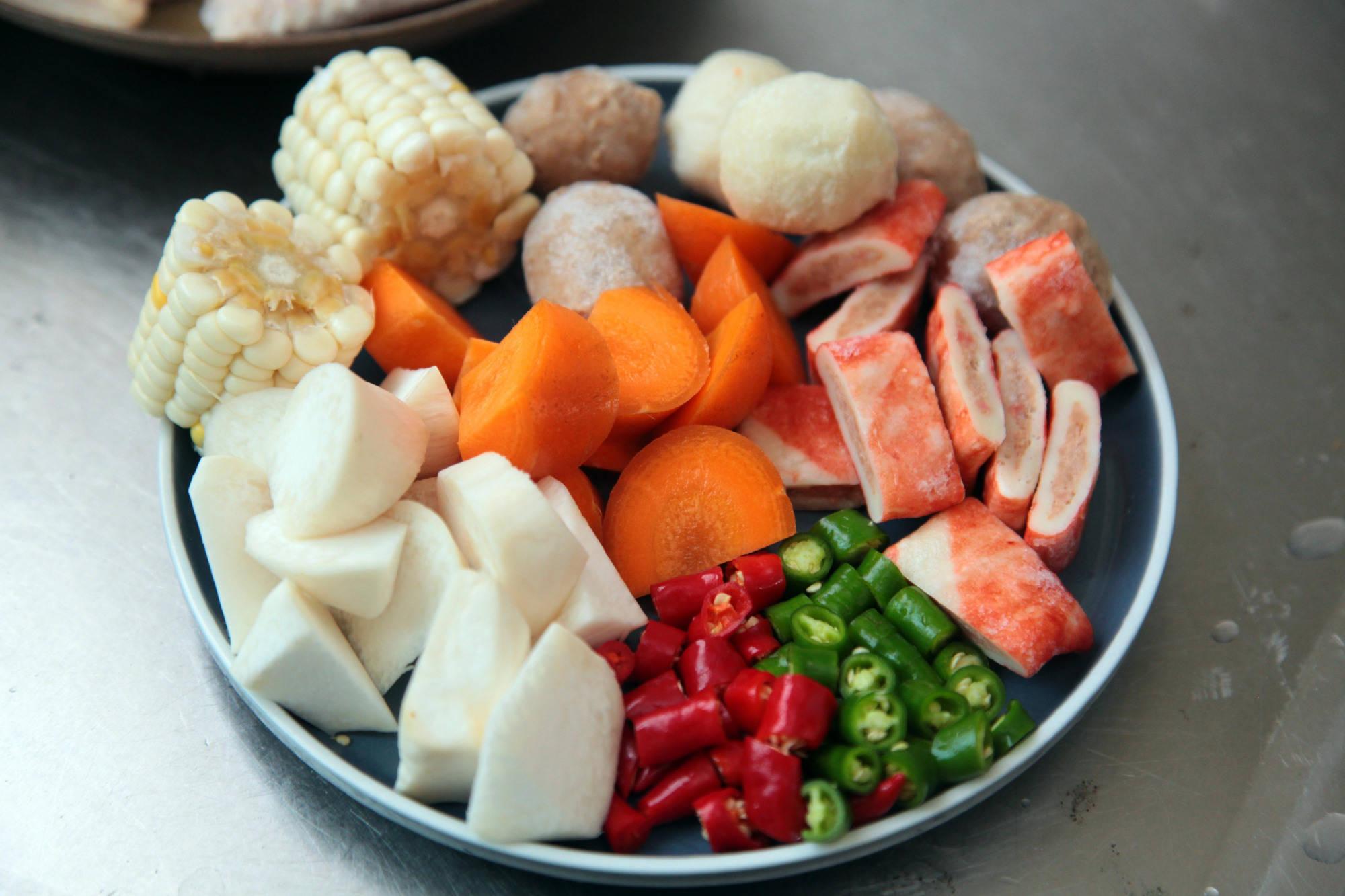 老婆40分钟做一桌极简晚餐,清爽好吃不浪费,老公:温暖!