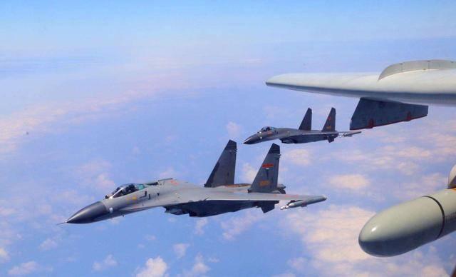 歼16用度中国战斗机之最!而且不能隐身,为什么会生产那么多?