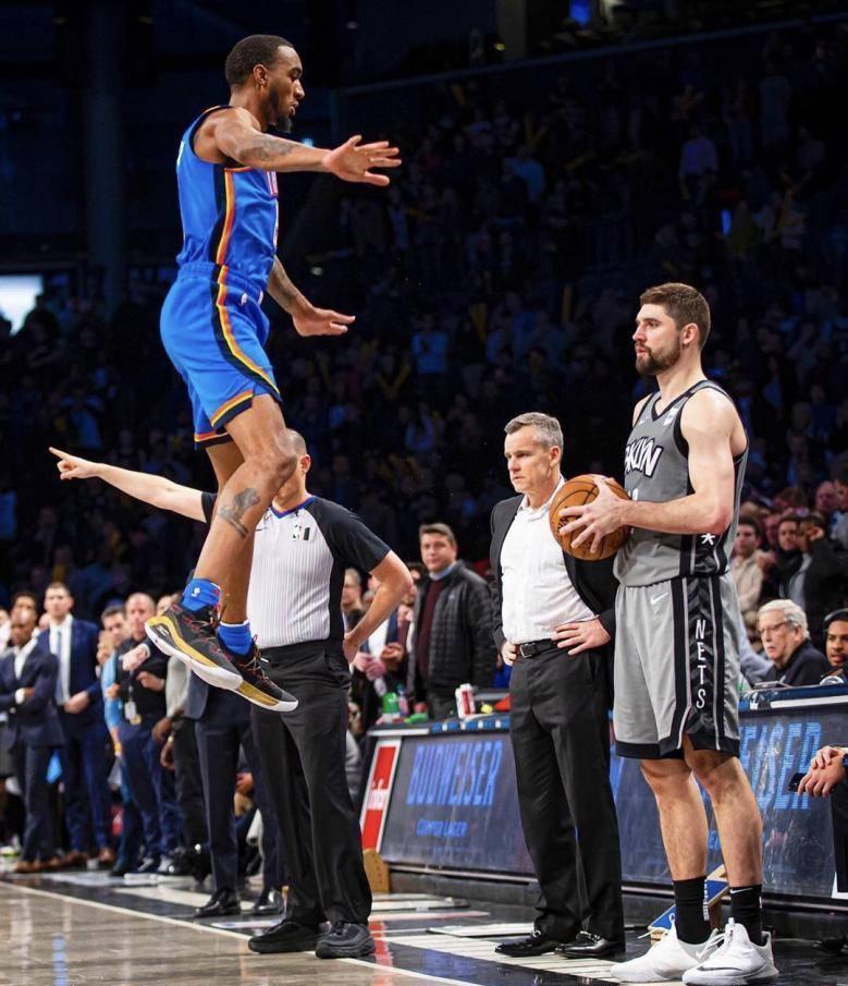 NBA现役第一弹跳男!空中360换手扣篮,若参加扣篮大赛,拉文也输
