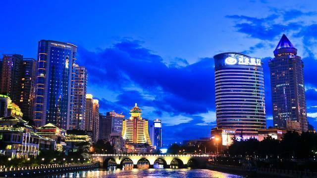 中国的夏日之都:生活节奏慢、价格低、气候更宜人 是夏季旅游的首选