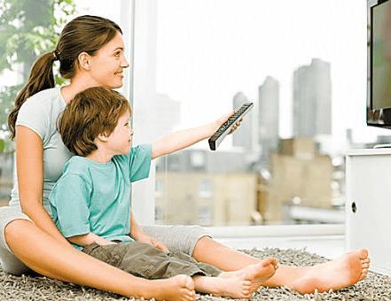 爱看电视与否,其实关乎孩子的心理和智力,你家娃爱看电视吗?