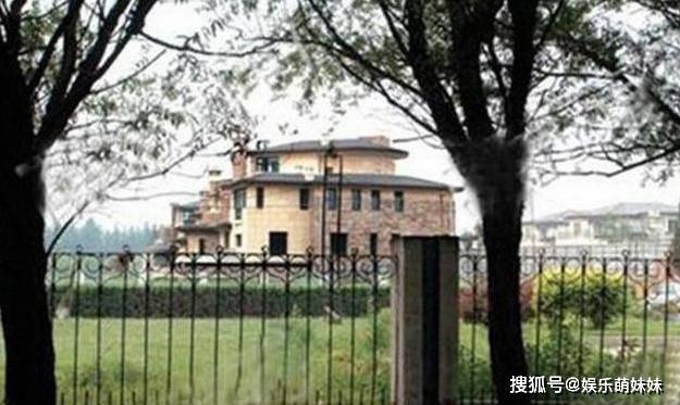 走进那英在北京的豪宅 她的日常生活也很小 壁纸上也有小碎花