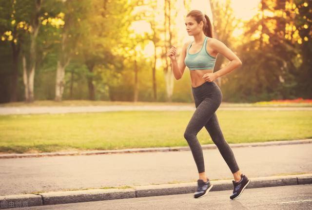 减肥为什么选择开合跳?开合跳15分钟,相当于慢跑30分钟