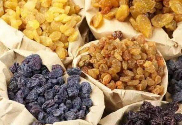 早起空腹给小孩吃几粒葡萄干,用不了多久,身体会出现喜人变化