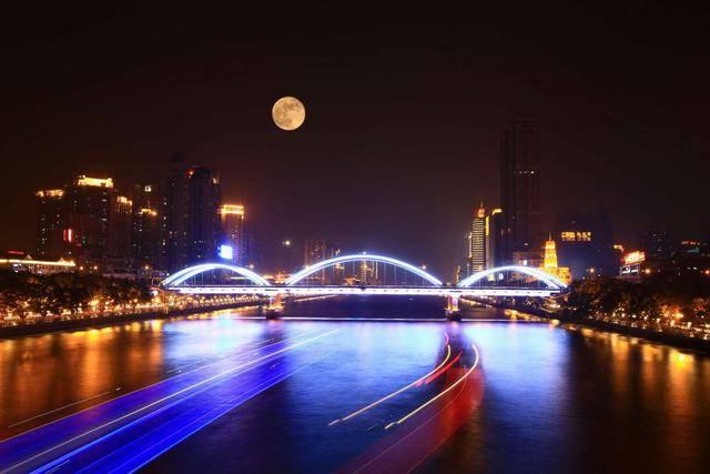 """广州人感情的历史地标 与凌晨三点的""""阴"""