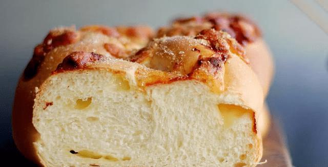 流动的淡奶油面包 细腻柔软 富含牛奶味 给你丝