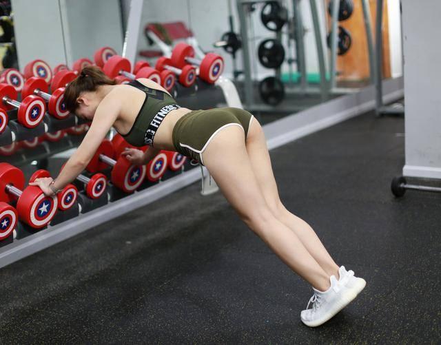 翘臀身材如何练出来?7个练臀动作有效提臀,练出完美翘臀