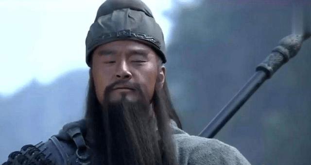 斩颜良曹操为何要请关羽出战?