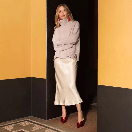 大毛衣+半裙,2020的气质通勤装就靠它了!