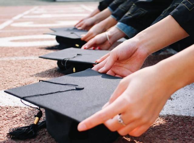 为什么很多本科生毕业后什么都找不到?学习成