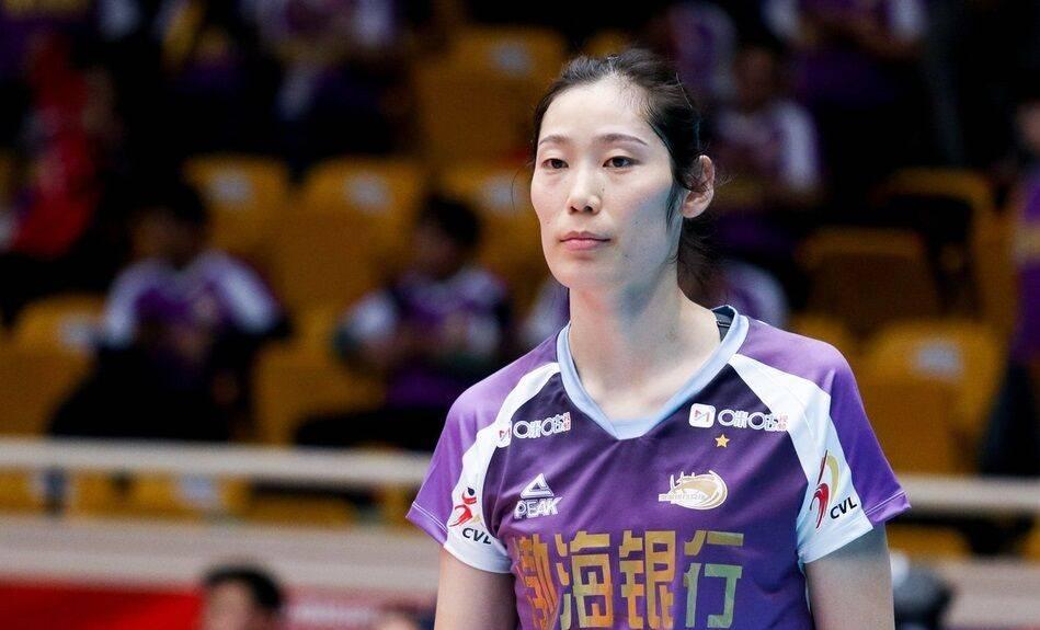 天津女排官宣朱婷正式续约 郎平助教保驾护航奥运国手