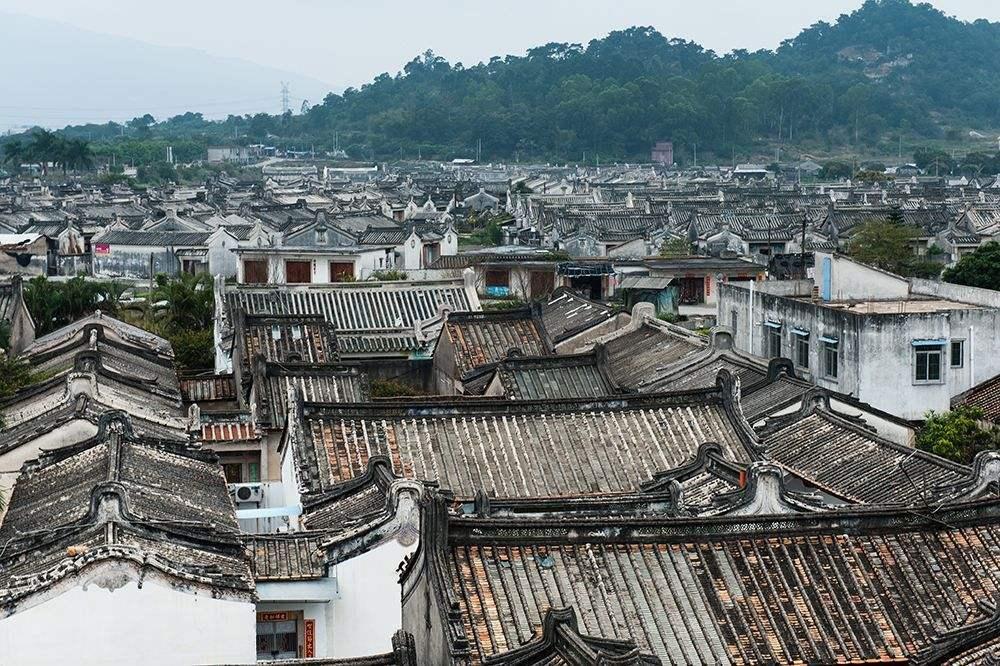 """全国人口第一村_广东""""人口第一村"""",居住人数20万,都一个姓氏,村民遍布东南"""