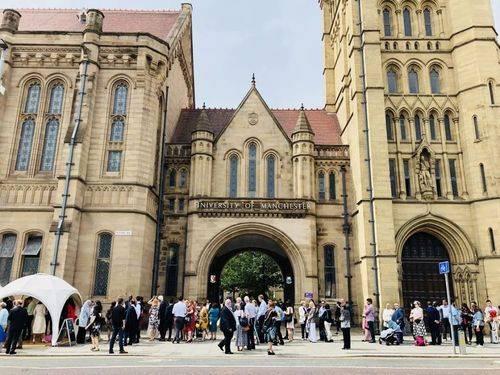 英国留学:曼彻斯特大学2021各专业分阶段申请时间及最迟出结果日期