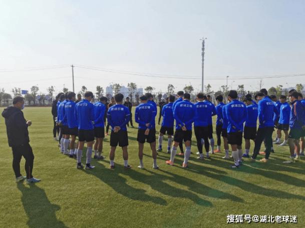 AG体育- 赛程先易后难!武汉三镇将出战中乙揭幕战 最后四轮是关键(图1)