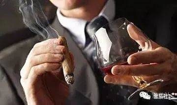 雪茄的致命诱惑丢不掉的就是那口烟草味