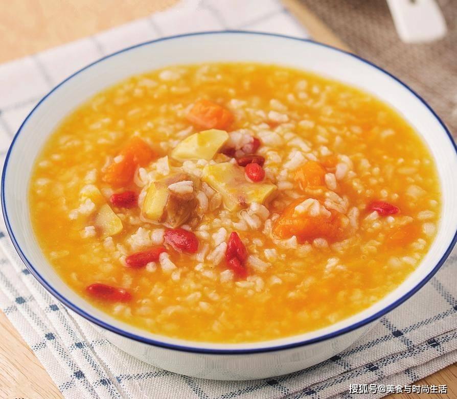 吃板栗的季节,用它和南瓜煮成粥,养胃去秋燥,老少皆宜