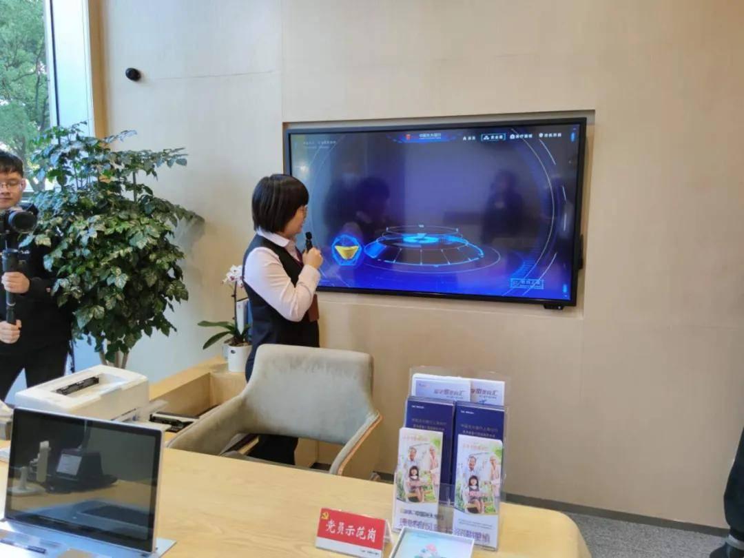 进厅店甩辫子拆围墙,与客户深度共建,中国移动5G加出新动能