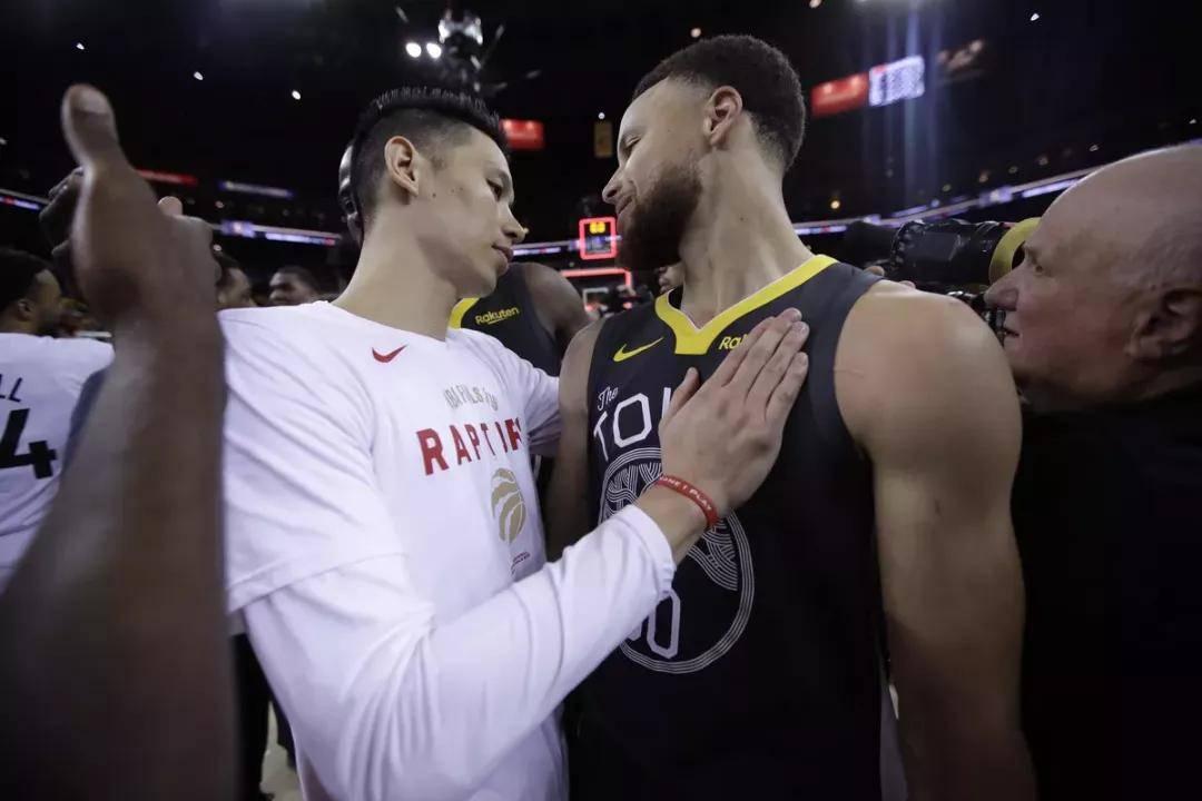 原创             恭喜林书豪!从CBA打回NBA的球员!库里亲自邀他加盟勇士