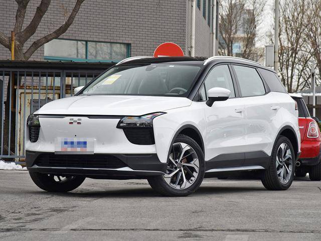 豪华独立纯电动SUV外观时尚,配置智能,空间舒适宽敞