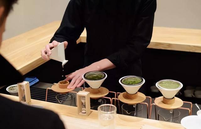 喝茶不注意种类,会喝出高血压、肠胃病?辟谣:喝茶没那么多事