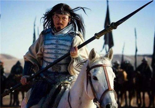 马超勇猛无畏,为何入蜀仅7年,便英年早逝?你看刘备对他做了啥