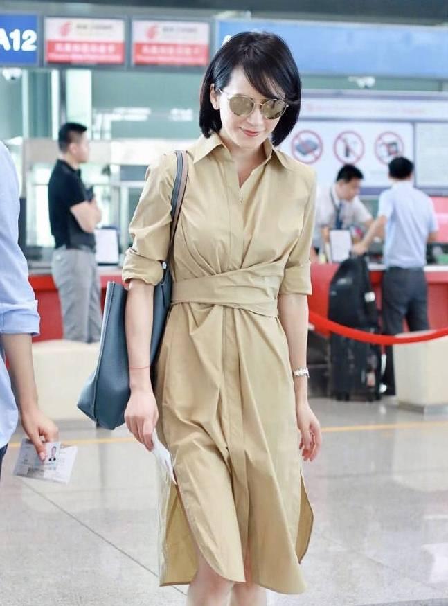裙子皱成这样俞飞鸿都能穿出高级感!48岁的她像吃了防腐剂一样