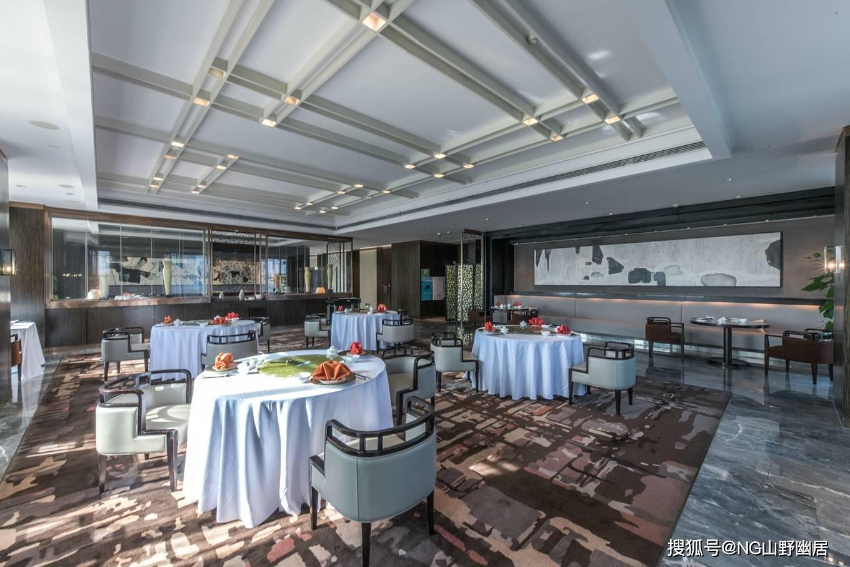 原创             南京荣华轩:充满诗意的中餐厅,突出饮食文化与空间美学!