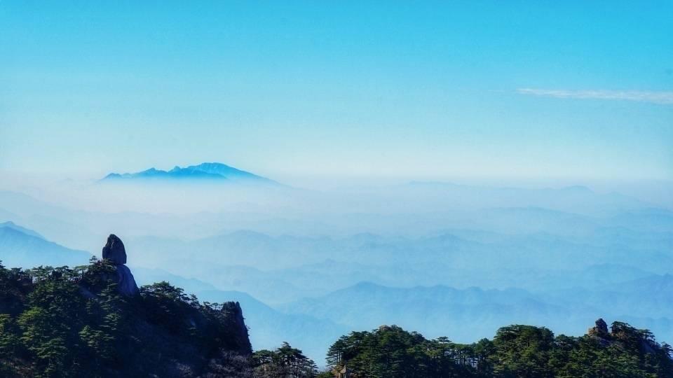 """原创             安徽最迷人的湖光山色,""""两山一湖""""家喻户晓,秋日别有一番风景"""