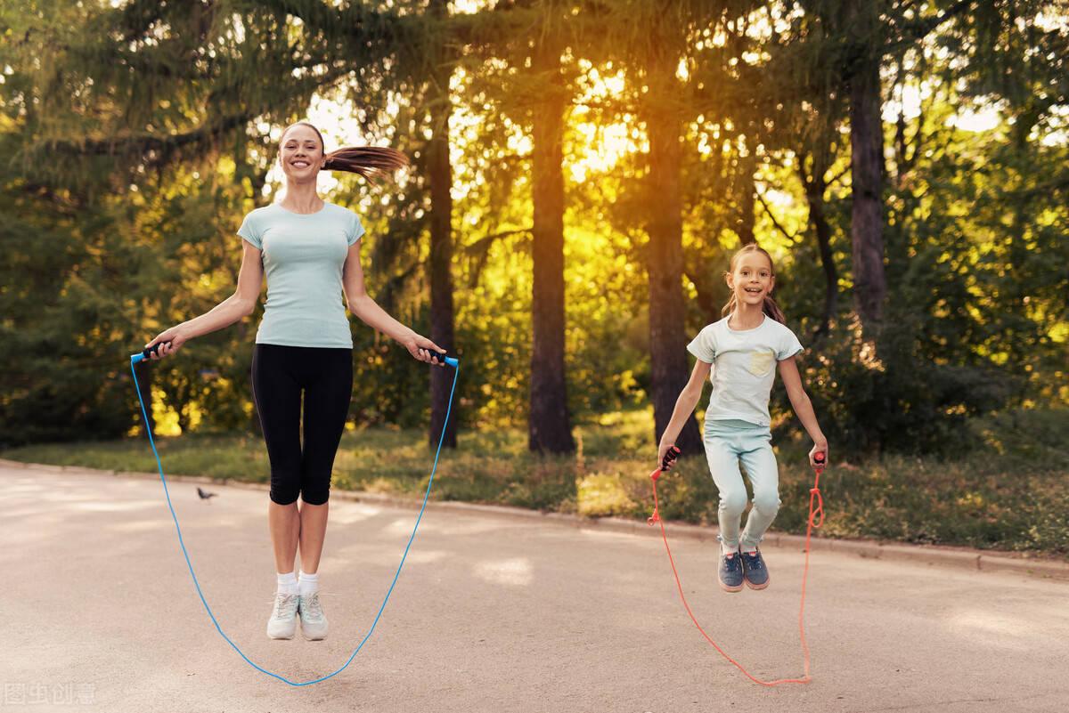 每天一组跳绳训练有什么益处?几个训练技巧,学会正确跳绳