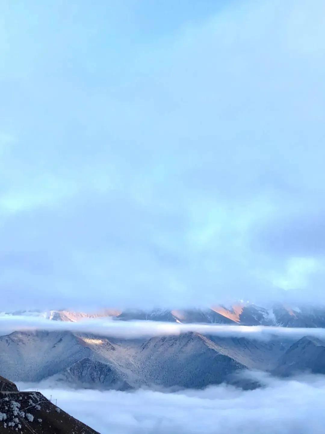 周末去哪儿丨冰川、温泉、星空……川西冬日游怎么玩不踩雷!